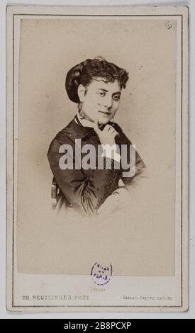 Porträt von Delphine Lissy oder Lizy (Schauspielerin) Portrait de Delphine de Lissy ou Lizy, actrice. 1860-1890. Carte de visite (recto). Tirage sur Papier Albuminé. Photographie de Charles Reutlinger (1816-1880). Paris, musée Carnavalet.