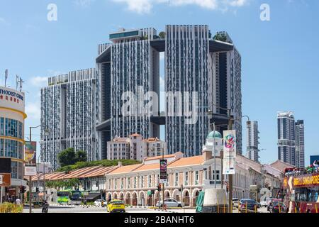 Jin Rikshaw Building und Pinnacle Duxton Apartment Building, South Bridge Road Junction, Chinatown, Central Area, Singapur - Stockfoto
