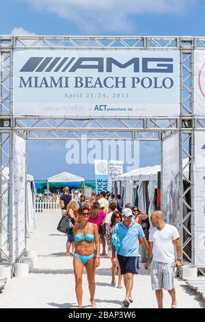 Miami Beach Florida AMG Polo World Cup Eingang Mann Frau - Stockfoto