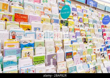 Miami Beach Florida 41st Street Arthur Godfrey Road CVS Pharmacy Apotheke Apotheke für Verkauf Einzelhandel Display Geschenkkarten danke yo - Stockfoto