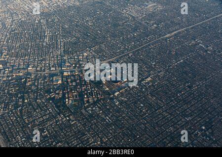 Allgemeine Luftaufnahme des Los Angeles Coliseum und des Banc of California Stadium während eines Flugs um Südkalifornien am Samstag, 5. Oktober 2019, in Los Angeles, Kalifornien, USA. (Foto von IOS/Espa-Images) - Stockfoto