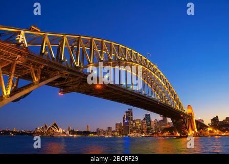 Die Harbour Bridge und die Skyline von Sydney, Sydney, New South Wales, Australien,