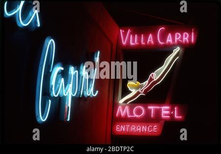 Alte Neon-Zeichen für das Villa Capri Motel in Coronado, CA - Stockfoto
