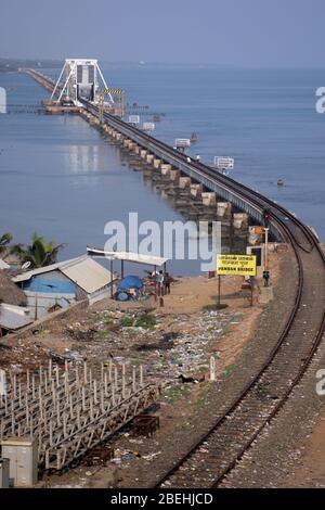 Rameswaram ist eine Stadt auf der Insel Pamban, im südöstlichen indischen Bundesstaat Tamil Nadu. Es ist bekannt für Ramanathaswamy Tempel, - Stockfoto