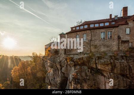 Die Stadt Hohnstein im Elbsandsteingebirge - Stockfoto