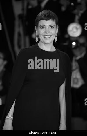 """VENEDIG, ITALIEN - AUGUST 30: Olivia Colman nimmt am roten Teppich der Filmvorführung """"The Favorite"""" während der 75. Filmfestspiele von Venedig Teil - Stockfoto"""