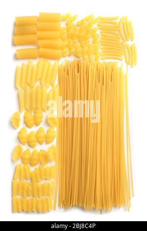 Sammlung von italienischen Pasta auf weiß isoliert - Stockfoto