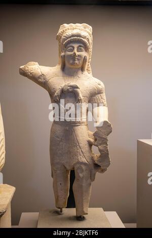 Statue des gottes Melqart, Herakles, wahrscheinlich aus Zypern, Kalkstein, 5. Jh. BCE, Museo Barracco, das Kolosseum , Rom, Latium, Italien ,. - Stockfoto
