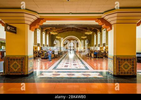 Blick auf den Innenbereich von Union Station, Los Angeles, Kalifornien, Vereinigte Staaten von Amerika, Nordamerika