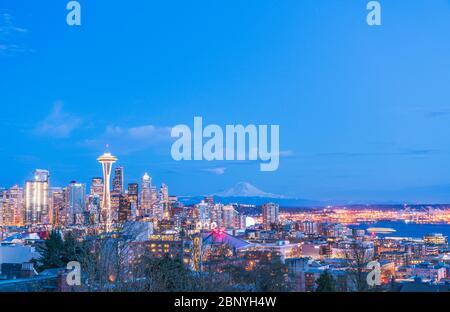 Blick auf Seattle Stadtbild in der Nacht, Washington, USA. -nur für redaktionelle Zwecke. - Stockfoto