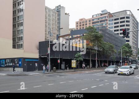 Sydney Aust. 16. Mai 2020: Mehrstufige Schotterings decken den neuen Pitt Street Metro Bahnhof im südlichen CBD von Sydney in Australien ab