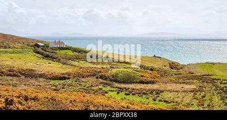 Idyllische Küstenlandschaft rund um Connemara, eine Region im Westen Irlands - Stockfoto