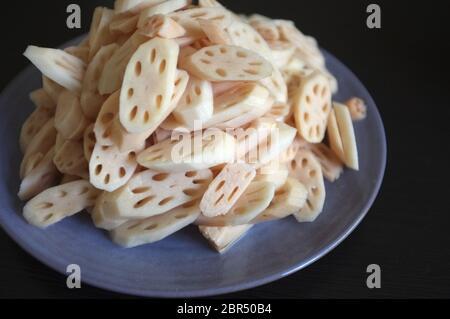 Geschnittenes Gemüse, Lotuswurzel - Stockfoto