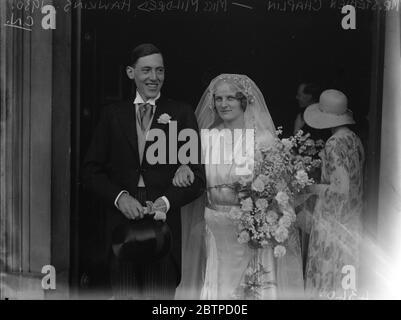 Gesellschaft Hochzeit in London . Die Hochzeit von Herrn Stephen Chaplin zu Miss Mildred Hawkins in St. Peter ' s Church , Eaton Square , London . 10 Juli 1930 - Stockfoto