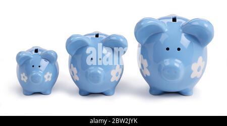 Kleine mittlere und große Sparschweine - Stockfoto