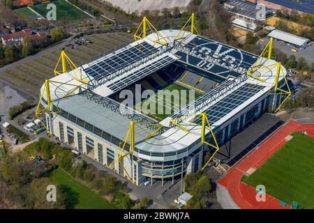 stadion Signal Iduna Park Dortmund und Stadion Rote Erde in Dortmund, 10.04.2019, Luftaufnahme, Deutschland, Nordrhein-Westfalen, Ruhrgebiet, Dortmund - Stockfoto