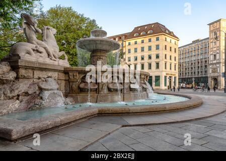 Der Wittelsbacher Brunnen im Zentrum Münchens