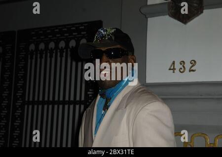"""MIAMI BEACH, FL - JANUAR 19: (EXKLUSIVE BERICHTERSTATTUNG) Dennis Rodman """"tritt in die Reha für Alkoholabhängigkeit Behandlung"""" nach betrunkenen TV-Auftritt in Nordkorea am 19. Januar 2014 in Miami, Florida. Personen: Dennis Rodman Kredit: Storms Media Group/Alamy Live News - Stockfoto"""