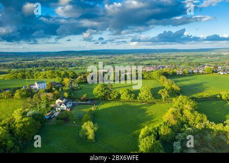 Grüne Landschaft in der Nähe von Saint Michael und All Angels Church, Pinhoe, Devon, England, Vereinigtes Königreich, Europa