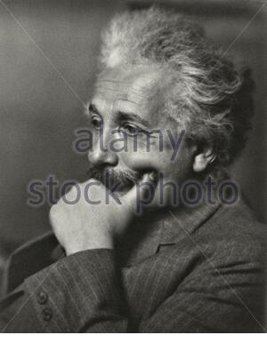Albert Einstein (1879 – 1955) war ein deutscher theoretischer Physiker, der die Relativitätstheorie entwickelte, eine der beiden Säulen der modernen Physik - Stockfoto