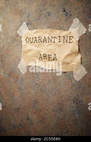 Text für Quarantänebereich an einer Wand. - Stockfoto