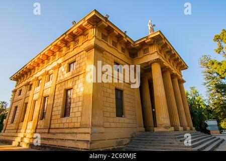 Gymnasium von Léon Dufourny (Architekt). Botanischer Garten von Palermo (Orto Botanico di Palermo). Palermo, Sizilien, Italien, Europa. - Stockfoto