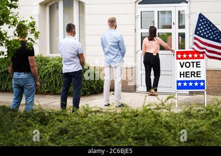 Stimme Ort Zeichen Am Wahlplatz Oder Stand - Stockfoto