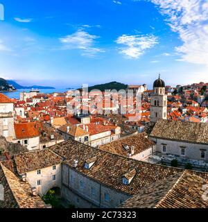 Kroatien Reisen. Dubrovnik. Blick von der Stadtmauer in der Altstadt Stockfoto