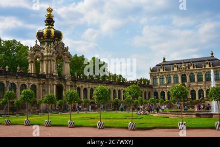 Das Kronentor am Zwinger Palast in Dresden, Deutschland - Stockfoto