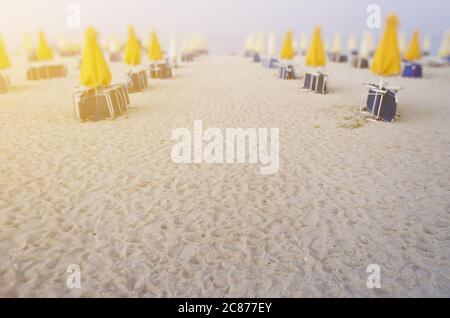 Leerer leerer Strand wegen kovid19 Effekte - Stockfoto