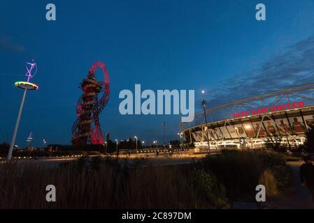 Der Queen Elizabeth Olympic Park in Stratford, London, Großbritannien - Stockfoto