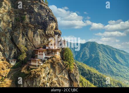 Ein Blick auf die Klippe Tiger's Nest Kloster in Paro, Bhutan