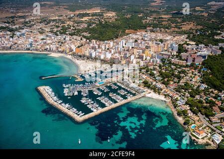 Luftaufnahme des Hafens von Arenal mit Strand und Bucht, S'arenal, Arenal, Ballermann, Mallorca, Balearen, Spanien - Stockfoto