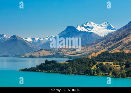 Lake Wakatipu und schneebedeckter Mount Earnslaw, Queenstown, Otago, Südinsel, Neuseeland, Pazifik