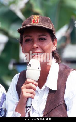 ZDF Fernsehgarten, Sonntag-Unterhaltungsshow, Sendung vom 3. Juli 1994, Moderatorin Ramona Leiss