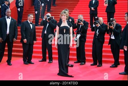 US-Schauspielerin Jane Fonda kommt für eine Hommage an ihren Vater Henry Fonda bei den 60. Filmfestspielen von Cannes 26. Mai 2007.       REUTERS/Eric Gaillard (Frankreich)