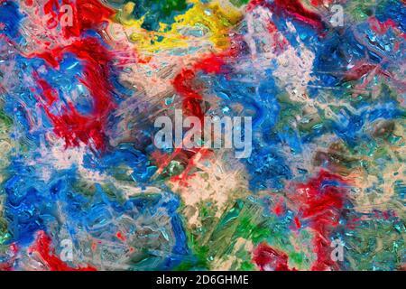 Abstrakter Hintergrund mit bunten Flecken und unregelmäßigen geometrischen Linien. Farbmischung in auffälliger mehrfarbiger Textur aus Kunststoff oder Edelstein-Optik. Stockfoto