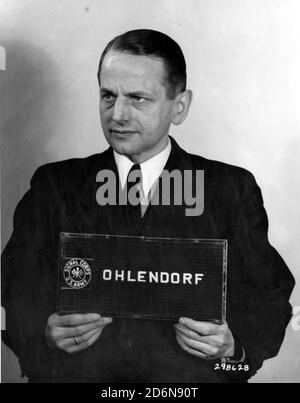 Otto Ohlendorf (1907 – 1951) deutscher SS-Funktionär und Holocaust-Täter während der NS-Zeit, Leiter des Sicherheitsdienstes (SD) Inland, zuständig für Geheimdienst und Sicherheit in Deutschland. 1941 wurde Ohlendorf zum Kommandeur der Einsatzgruppe D ernannt, die in Moldawien, der Südukraine, der Krim und 1942 im Nordkaukasus Massenmorde verübte. Er wurde im Einsatzgruppen-Prozess vor Gericht gestellt, 1951 verurteilt und hingerichtet