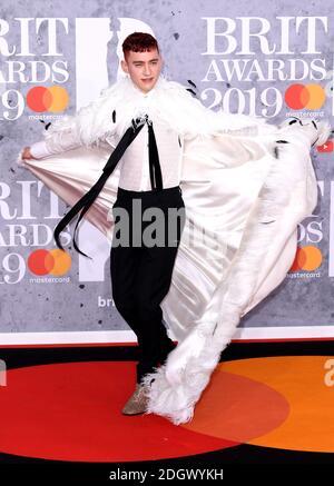 Olly Alexander of Years & YearsTeilnahme an den Brit Awards 2019 in der O2 Arena, London. Bildnachweis sollte lauten: Doug Peters/EMPICS Entertainment. NUR FÜR REDAKTIONELLE ZWECKE Stockfoto