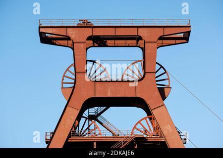 Essen, Ruhrgebiet, Nordrhein-Westfalen, Deutschland - Zeche Zollverein, UNESCO Weltkulturerbe Zollverein, Förderturm.