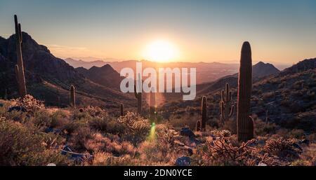 Szenischer Blick Auf Die Wüstenberge Gegen Den Himmel Bei Sonnenuntergang