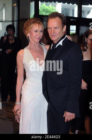 Sänger Sting und seine Frau Trudie Styler nehmen am 9. Mai 2009 am White House Correspondenten Dinner im Hilton Hotel in Washington, DC Teil. USA. Foto von Olivier Douliery/ABACAPRESS.COM Stockfoto
