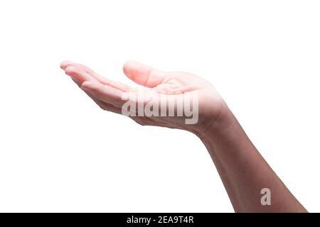 Horizontale Aufnahme der Hand einer Frau mit einer gefstrahlten Handfläche auf weißem Hintergrund.