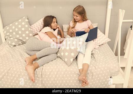Mir schlafen will mit schwester Meine schwester