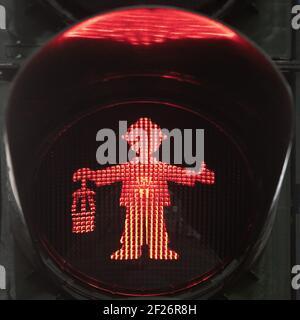 Rote Fußgängerampel männlich als Bergmann mit Bergarbeiterlampe, Castrop-Rauxel, Deutschland, Europa - Stockfoto