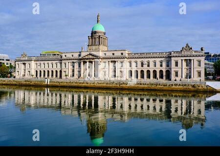Republik Irland; Dublin, The Custom House, EIN neoklassizistisches Gebäude aus dem 18th. Jahrhundert, das von James Gandon entworfen wurde