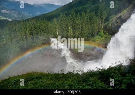 Morgenregenbogen An Den Krimmler Wasserfällen Im Hohen Tauern National Park in Salzburg Österreich