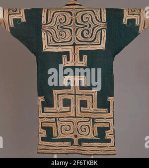 Autor: Ainu. Robe - späte Edo-Zeit (1789 - 1868) - Meiji-Zeit (1868 - 1912), 19. Jahrhundert - Ainu Japan, Hokkaido Island. Baumwolle. 1801 - 1900.