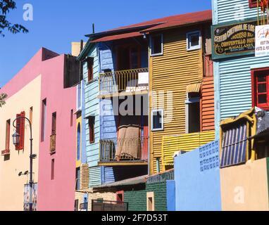 Pastellfarbenen Gebäude, Straße Caminito, La Boca, Buenos Aires, Argentinien Stockfoto