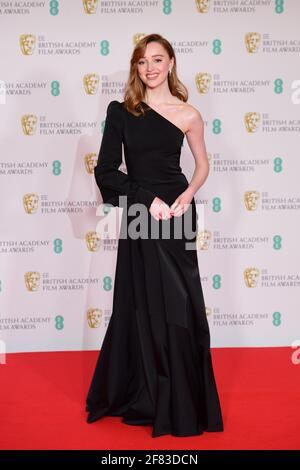 Phoebe Dynevor kommt für die EE BAFTA Film Awards in der Royal Albert Hall in London an. Bilddatum: Sonntag, 11. April 2021. Stockfoto